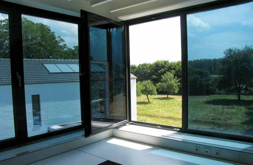 Window Protection From Solar - Radiations
