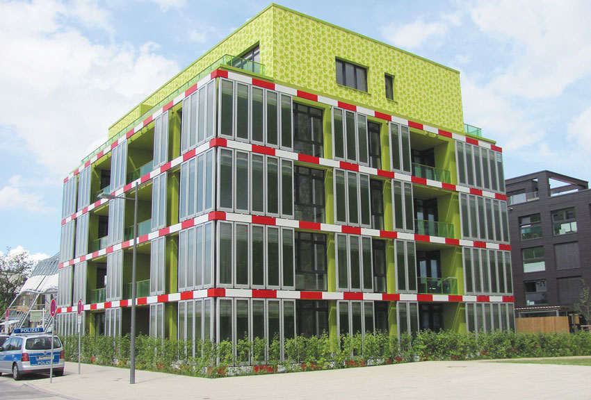 An Energy-Producing Algae Facade