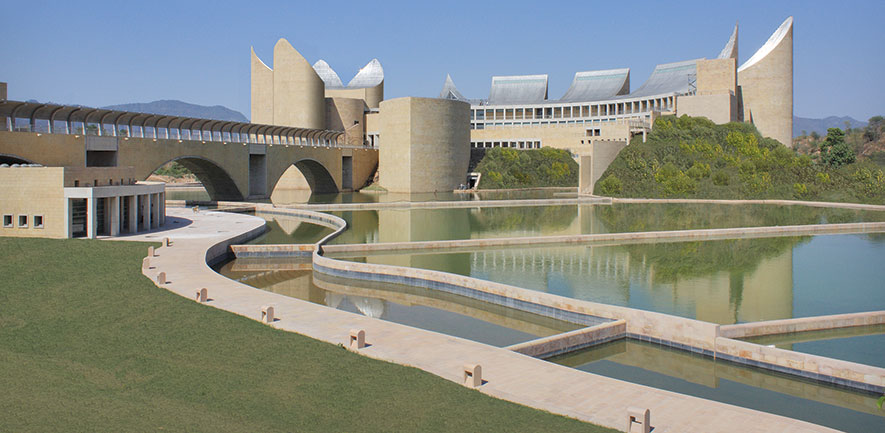 Khalsa Gallery buildings and reflecting ponds